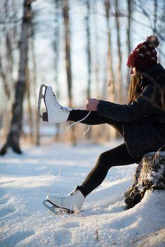 Teenage girl laces her ice skates by Tara Romasanta Photography - Stocksy United Skate 3, Skate Girl, Teenage Girl Photography, Girl Photography Poses, Ice Skating Pictures, Outdoor Ice Skating, Ice Rink, Figure Skating, Christmas Ice Skating