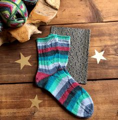 Weihnachten... - Tanja Steinbach Ard Buffet, Cool Socks, Awesome Socks, Christmas Stockings, Holiday Decor, Petra, Tricot, Knitting And Crocheting, Sachets