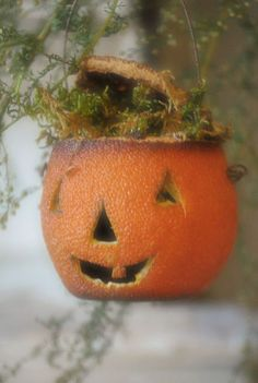 Dried Orange Jack-O-Lantern Tutorial...makes adorable primitive looking pumpkins for wreaths or whatever.