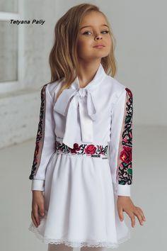 Dresses Kids Girl, Cute Dresses, Kids Outfits, Sleeves Designs For Dresses, Dress Neck Designs, Little Girl Fashion, Boy Fashion, Birthday Girl Dress, Traditional Dresses