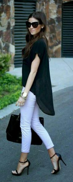 Black and white outfit. Ankle Strap High Heeled Sandals. Beauty on High Heels #Fashion #anklestrapsheelschic