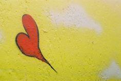 Mais amor, por favor. Curitiba. Canon AT-1 . Kodak Ultramax 400 . www.processocruzado.com.br