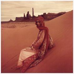Jan Ward (Jan de Villeneuve) wearing Jean Muir, photo by Norman Parkinson in Monument Valley, Utah, 1971