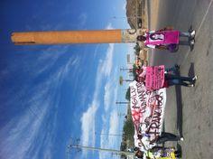 Madres de mujeres desaparecidas realizan una caminata en #Juárez para exigir la liberación de la abogada Francisca Galván, quien pide el asilo político en Estados Unidos al sufrir la persecución del Estado. Galván representa al Comité de Madres de Mujeres Desaparecidas.