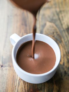 Simple and Super Creamy Vegan Hot Chocolate // veggieandthebeastfeast.com #vegan
