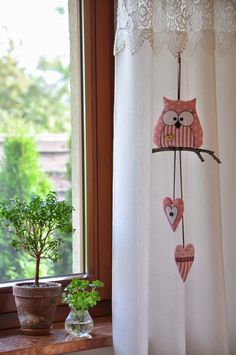 Such a cute Owl mobile Fabric Crafts, Sewing Crafts, Sewing Projects, Craft Projects, Projects To Try, Owl Crafts, Diy And Crafts, Arts And Crafts, Felt Owls
