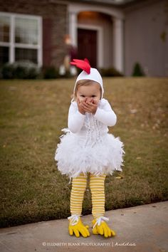 chicken Halloween Costumes and dress up by Elizabeth dunreth. I want an adult version of this costume! Costume Halloween, Theme Halloween, Baby Halloween, Creative Costumes, Cute Costumes, Baby Costumes, Purim Costumes, Costume Ideas, Carnaval Kids