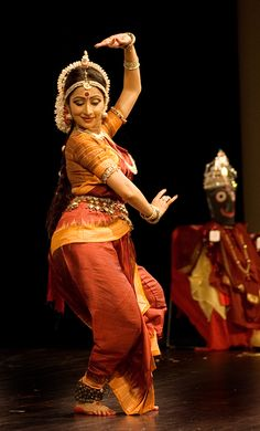 Google Image Result for http://www.onthegotours.com/blog/wp-content/uploads/2011/06/Indian-dancing-credit-.Bala_.jpg