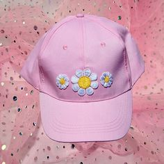 #Shop our #EMBROIDERED #PATCH #HATS + sport your love for the #90s, all while looking super sweet & #cute! ✨ #Featured here is our #PINK #SWEET #DAISIES #BASEBALL #CAP ~ 4 DIFFERENT STYLES AVAILABLE ✨ #Etsy LINK'S IN BIO❣ || #DAISY #girly #innocent #pastel #goth #lightpink #new #rad #pastelgoth #retro #fashion #tumblr #sequins #alien #kawaii