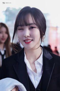 Kpop Girl Groups, Kpop Girls, Gfriend Yuju, Cloud Dancer, Epic Story, Fans Cafe, G Friend, Kpop Outfits, South Korean Girls