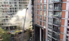 Ισχυρές πυροσβεστικές δυνάμεις επιχειρούν για την κατάσβεση πυρκαγιάς σε κτίριο στο Ανατολικό Λονδίνο.Περισσότερα...