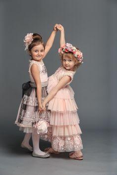 RUTA🌺 представляє безліч моделей дитячих святкових суконь для дівчаток і  підлітків. Усі сукні актуальні 56df258902c39