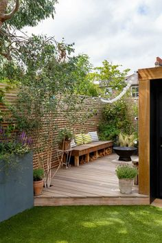 Deck at side of outdoor room, with seating and fire-pit Corner Garden, Side Garden, Terrace Garden, Court Yard Garden Ideas, Back Gardens, Small Gardens, Outdoor Gardens, Deck Around Trees, Narrow Garden