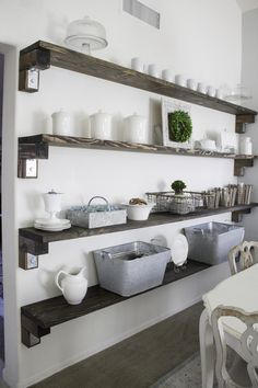 Farmhouse Storage and Organization Ideas - The Mountain View Cottage Cottage Farmhouse, Cottage Homes, Farmhouse Decor, Farmhouse Style, Cottage Living, Modern Farmhouse, Dining Room Shelves, Dining Room Walls, Kitchen Shelves