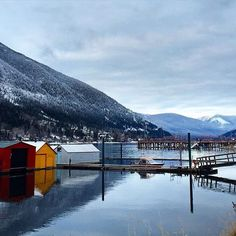Boathouses on #KootenayLake. Click the link in our bio to start planning your trip to our region.