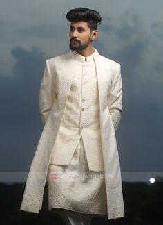 Indian Wedding Suits Men, Mens Indian Wear, Indian Men Fashion, Wedding Men, Man Dress Design, Sherwani Groom, Dress Indian Style, Groom Outfit, Girls Wear