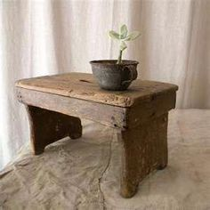Rustic foot stool wooden French country decor by lapomme on Etsy - Tiny House Decorations French Country Kitchens, Country Farmhouse Decor, French Country Decorating, Country Décor, Country French, Country Homes, Farmhouse Style, Asian Home Decor, European Home Decor