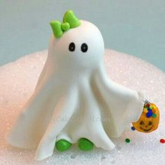 Cute Ghost Topper & Pumpkin Border!