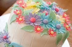 Cafe Munchkin » Say It with Flowers: A Spring-Themed Birthday Cake