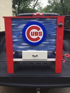 Wood cooler Chicago Cubs Wood Cooler, Diy Cooler, Chicago Cubs Logo, Team Logo, Woodworking, Carpentry, Wood Working, Woodwork, Woodworking Crafts
