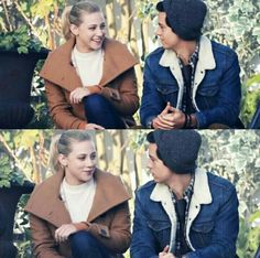 Bughead Riverdale, Riverdale Memes, Archie Comics, Lili Reinhart And Cole Sprouse, Cole Sprouse Jughead, Riverdale Cole Sprouse, Betty And Jughead, Betty Cooper, Film Industry