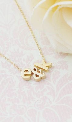 This personalized Initial necklace from @earringsnation would make such a pretty wedding gift for the bride to be!