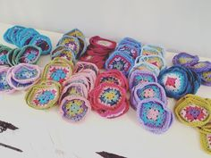 Blanket, Retro, Sewing, Knitting, Crochet, Handmade Gifts, Instagram Posts, How To Make, Crafts