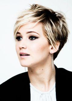 Fantastique Jennifer Lawrence short hair style! Je veux la même aaaan