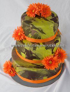 <3 <3 Camoflauge Wedding Cake!!! <3