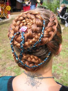 I want to do my hair like this.