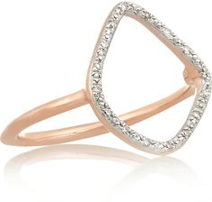 The shape of this rose gold-plated diamond ring is so different we have to have it!