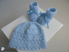 Bonnet bébé et chaussons, ensemble 1m tricoté main en laine bleue aquilon,  pour bébé 475427dcc3c