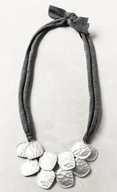 Armadillo Necklace by Anthropologie Diy Jewelry, Jewelry Box, Jewelry Accessories, Handmade Jewelry, Jewelry Design, Jewelry Making, Metal Necklaces, Jewelry Necklaces, Jewlery
