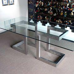 LISA - Mesa de comedor moderna de acero: Comedor de estilo  de GONZALO DE SALAS