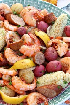 Low Country Shrimp Boil – The Fountain Avenue Kitchen Low Country Shrimp Boil is a deliciously festive meal you'll want to enjoy all summer long! — The Fountain Avenue Kitchen Seafood Boil Recipes, Fish Recipes, Great Recipes, Cajun Seafood Boil, Seafood Bake, Seafood Dishes, Shrimp Recipes, Yummy Recipes, Yummy Food