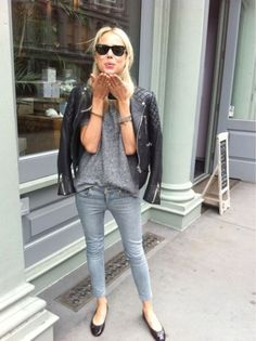 10 Ways to Wear Jeans and a T-Shirt