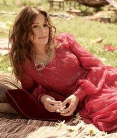 Julia Roberts in Keni Valenti couture photographed by Carter Smith for Elle magazine, September Hollywood Celebrities, Hollywood Actresses, Hollywood Style, Girl Crushes, Style Hippie Chic, Bohemian Style, Boho Chic, Stars D'hollywood, Carter Smith
