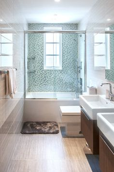 Love everything about this bathroom. Good combo of design and color pallet.