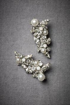 Beautiful earrings http://rstyle.me/n/fadganyg6