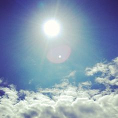 [September Photo a Day Challenge] 5. Bright. Driving in this weather with the windows down and the music blasting. >>>>> #fmsphotoaday