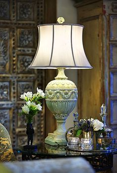 Beautiful Lamp and end table accessories Interior Decorating, Interior Design, Interior Exterior, Home Accents, Lamp Light, Home Accessories, Sweet Home, Table Lamp, House Design