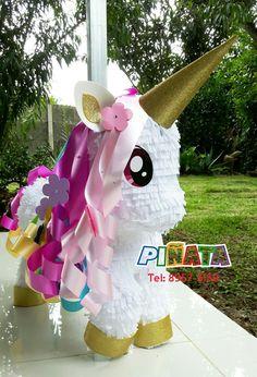 Unicorn Themed Birthday Party, Unicorn Birthday Parties, Birthday Party Themes, Birthday Ideas, Unicorn Pinata, Unicorn Party, Z Craft, Pinata Party, Unicorn Crafts