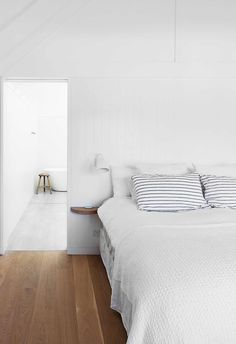 Marble Benchtop, Hamptons House, Modern Coastal, Coastal Homes, Home Bedroom, Room Inspiration, Beach House, Brick, House Design