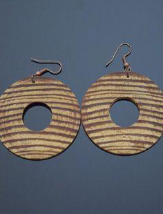 CARINA Wooden Earrings http://www.vonmimi.com/collections/earrings/products/carina-wooden-earrings-e20005?utm_source=Pinterest&utm_medium=Social&utm_campaign=Earrings