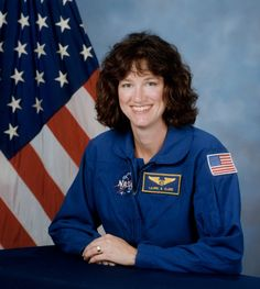 Laurel Blair Salton Clark (March 1961 – February was a medical doctor, United States Navy Captain, NASA astronaut and Space Shuttle mission specialist who was killed in the Space Shuttle Columbia disaster. Sts 107, Space Shuttle Challenger, Space Shuttle Missions, Laurel, Nasa Photos, Nasa Astronauts, Space Program, Space Travel, Navy Seals