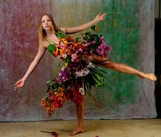 """""""The Birth Of Fashion Revisited"""" project of foliage couture by Louda Larrain inspired by the exuberant nature of Kauai.  Photography: Gilles Larrain (www.gilleslarrain.com) Model: Lauren Grace"""
