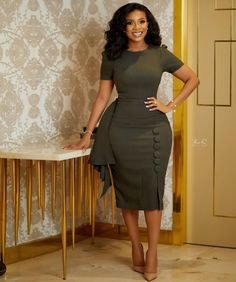 Classy Work Outfits, Office Outfits Women, Classy Dress, Stylish Outfits, African Wear Dresses, Latest African Fashion Dresses, Women's Fashion Dresses, Corporate Attire, Elegant Outfit