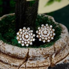 How To Choose The Perfect Pair Of Gold Diamond Earrings Diamond Earrings Indian, Diamond Bracelets, Diamond Jewelry, Gold Jewelry, Jewelry Bracelets, Diamond Earings Studs, Jewellery, Diamond Tops, Gold Earrings Designs