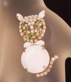 ✔ Juliana D E Gold Tone Milk Glass Kitty Cat Rhinestone Brooch Vintage 031B | eBay