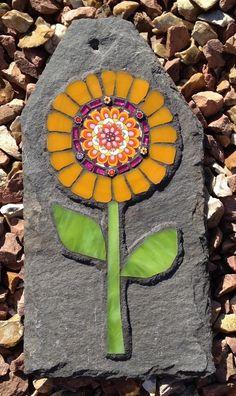 Handcrafted mosaics for the home and garden Mosaic Tile Table, Mosaic Birdbath, Mosaic Garden Art, Mosaic Diy, Mosaic Crafts, Mosaic Projects, Tile Mosaics, Mosaic Rocks, Stone Mosaic